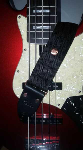 Steyner Straps Seatbelt Gitarrengurt Cruiser Deep Black Review