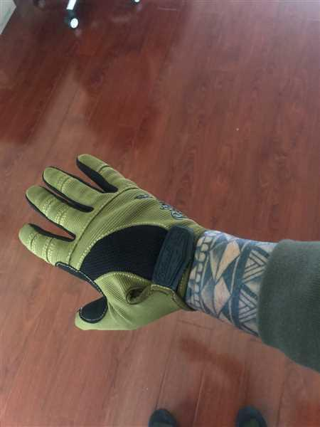 Adan Campos verified customer review of Moto Gloves - Olive/Black