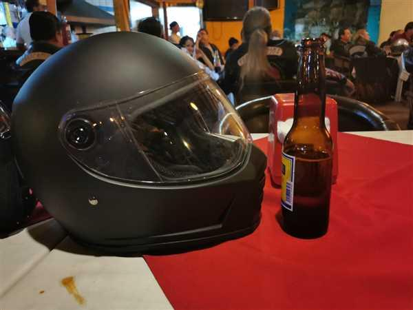 Biltwell Inc. Lane Splitter Helmet - Gloss Tahoe Blue Review