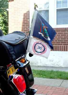 david verified customer review of Motorcycle Flag Mount With 8x11 Top Flag