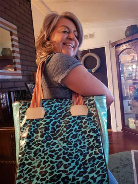 Rebecca Meadors verified customer review of Gem Classic Tote