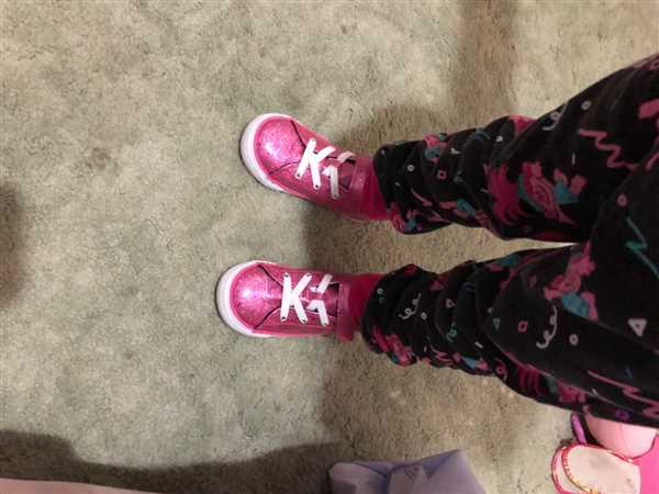 Tiptoe & Co CONVERSE Galaxy Glimmer Pink Girls Review