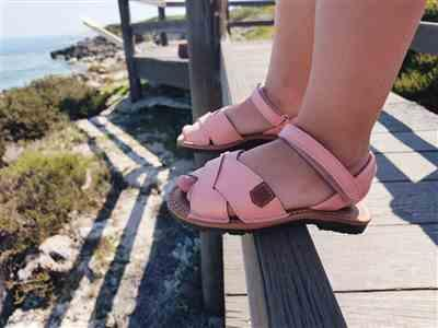 Tiptoe & Co POPA Girls rose pink leather sandals Review