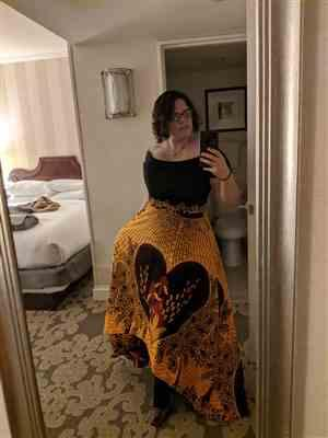 Kelly W. verified customer review of Josi high-low African Print Skirt (Yellow)