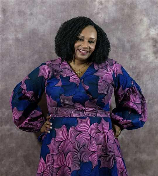 Sandra Pope verified customer review of Mide African Print Wrap Dress