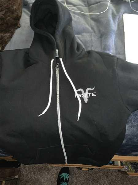 Eric Sanchez verified customer review of Unisex Black Zip Up With Grey Logo Fleece Hoodie