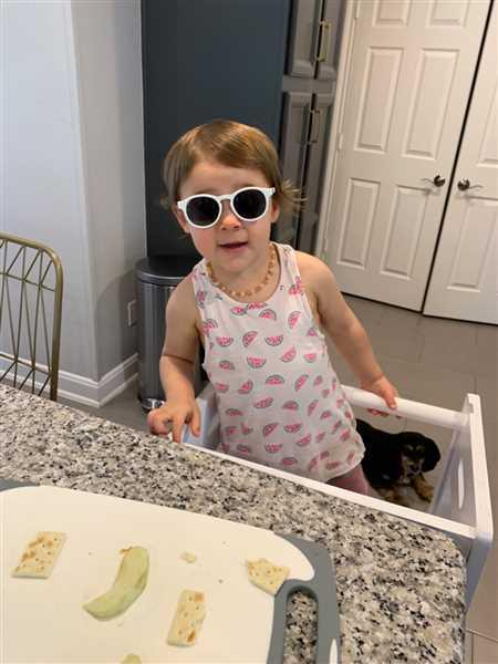 Babiators Sunglasses Wicked White Keyhole - Limited Edition Keyhole / Ages 0-2 Review
