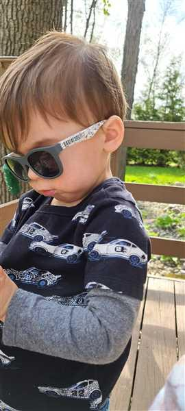 Babiators Sunglasses Shark-tastic Navigator Review
