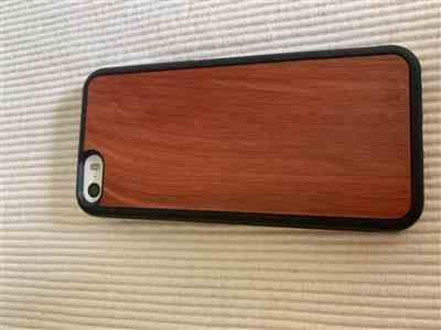 gail p. verified customer review of Eastern Red Cedar - Wood Phone Case
