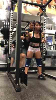 Tu L. verified customer review of SBD Knee Sleeves - Blue and White Limited Edition