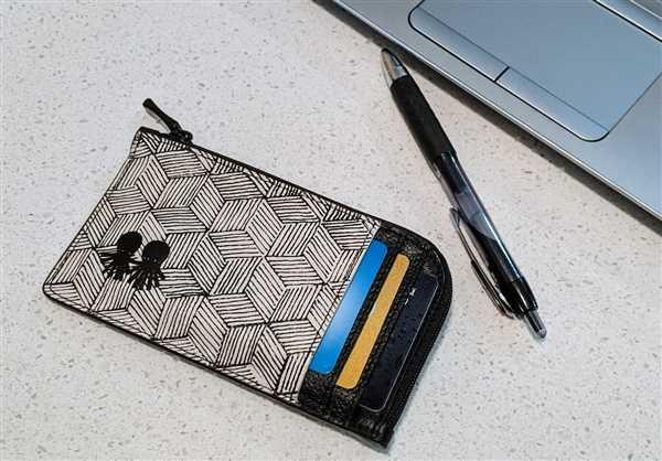 kelly boudreau verified customer review of Fausto Wallet