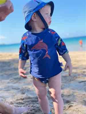 Beau & Belle Littles Shark Baby Rash Guard, Sun Protective Swim Shirt (Sizes 6M–5T) Review