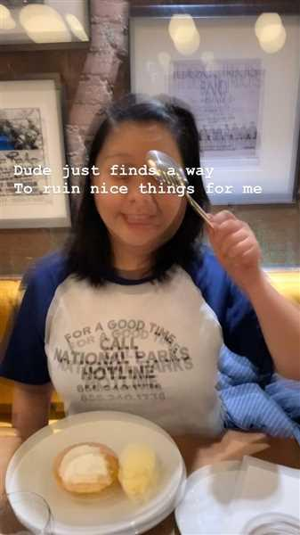 YINQI LI verified customer review of National Parks Hotline Tee