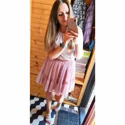 M***a verified customer review of Maui Polka Dot Pink Skirt