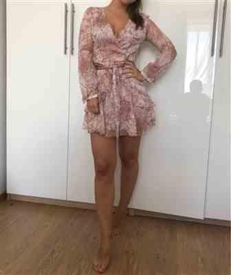 K***S verified customer review of Milena Long Sleeve Floral Dress