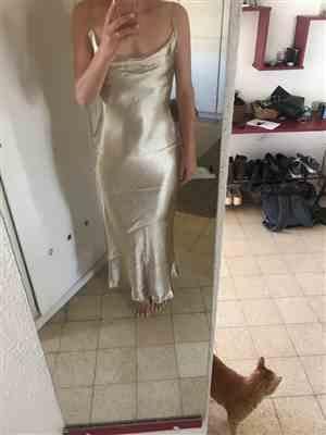 O***i verified customer review of Goldie Party Maxi Dress