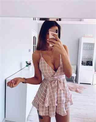 A***e verified customer review of Belle Short Romper Pink