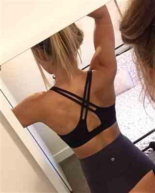 Laura verified customer review of Sculpt Criss-cross Strappy | Women's Light Support Sports Bra