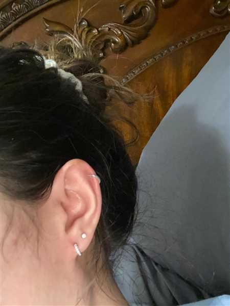 CRYSTAL GONZALEZ verified customer review of Pave Huggie Earrings