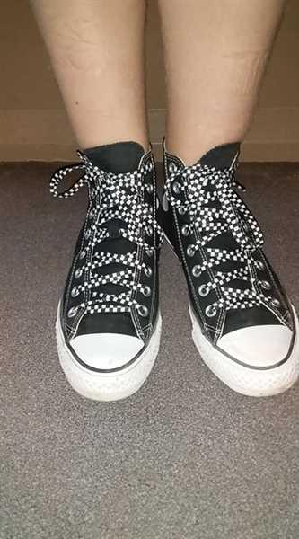 MICHELLE MAHER verified customer review of White Chequered Flat Lace