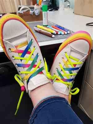Amy verified customer review of Canvas Rainbow Flat Laces