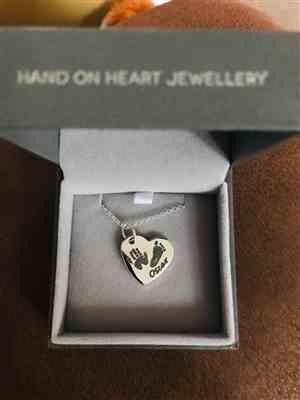Jessica Payne verified customer review of Handprint Or Footprint Large Heart Necklace, Two Prints And One Name