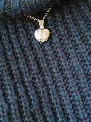 Amy Webb verified customer review of Engraved Handprint Or Footprint Locket, Two Prints