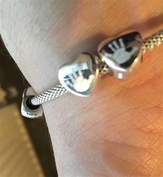 Alison Reynolds verified customer review of Engraved Handprint or Footprint Heart Charm Bead, One Print and Name