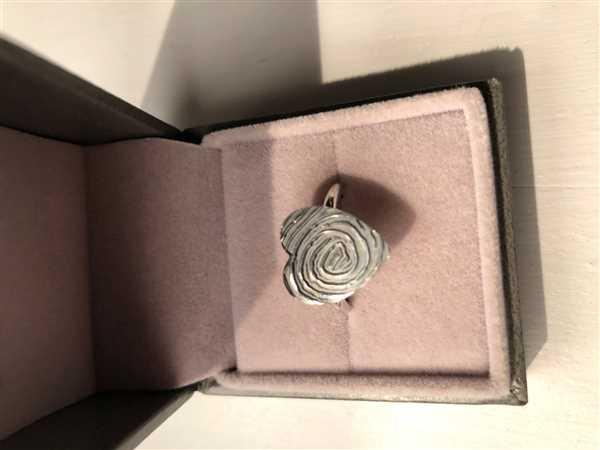 Elysha Isbell verified customer review of Fingerprint Heart Ring, One Print