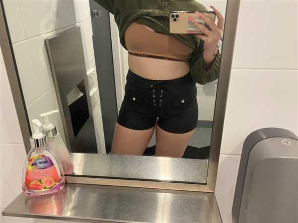 Paris Dollimore verified customer review of Astrid Shorts
