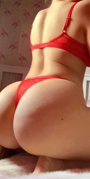 Nicole Philip verified customer review of Red Mesh Balcony Bra & Thong