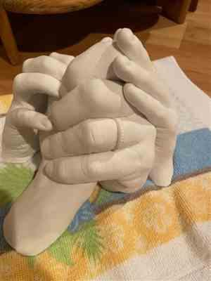 MomofTwo verified customer review of Luna Bean Keepsake Hands -XL- Plaster Statue Kit