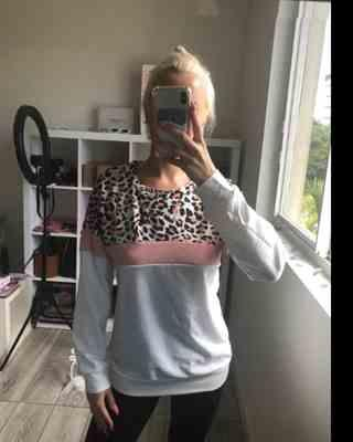 Svetlana Uryanskaya verified customer review of Leopard Print Colorblock Blouse Tops