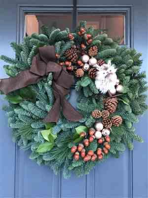 Cynthia Avery verified customer review of Rustic Wreath Hanger