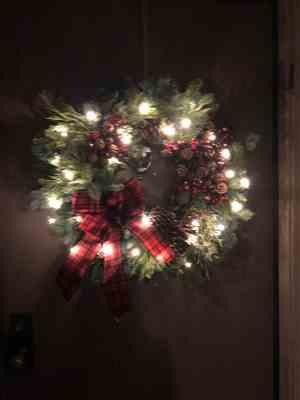 Marsha Luebbers  verified customer review of Gold Wreath Hanger