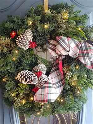 Diane Tabone verified customer review of Black Friday Wreath