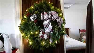 Nancy Kwasnik verified customer review of Black Friday Wreath