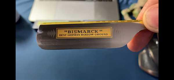 West Coast Shaving Dovo Bismarck Straight Razor, Pearl Acrylic, 6/8 Review