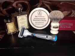 GILBERTO C. verified customer review of Taylor's Set, Sandalwood