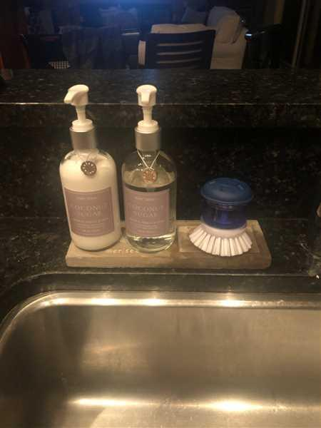Jennifer Gump verified customer review of Voyager Hand Soap & Lotion Sink Set