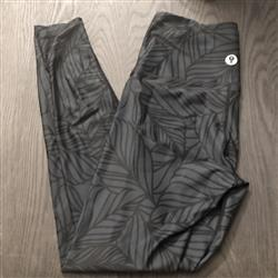 Ayesha K. verified customer review of Urban Camo Yoga Legging - Slate