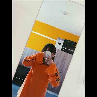 ruixue zhang verified customer review of OVERSIZED LONG SLEEVES