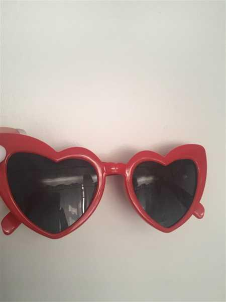 Lisa Gould verified customer review of I LOVE YOU SUNGLASSES
