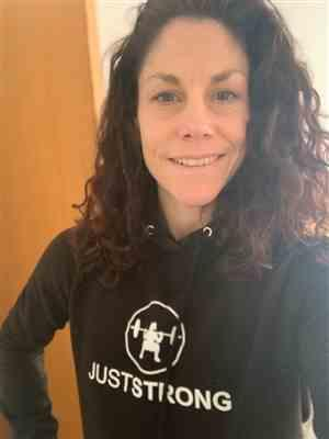 Claire Johnson verified customer review of Jet Black Pullover Hoodie