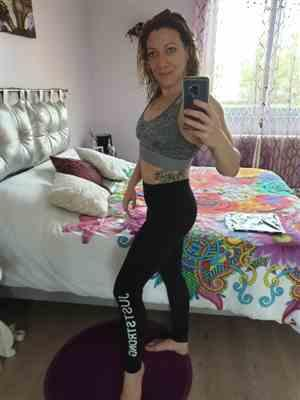Stéphanie G. verified customer review of Grey Melange Cross Strap Crop Top
