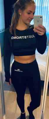 Yorinda van Duivenvoorde verified customer review of Black / Slate Melange Long Sleeve Crop Top