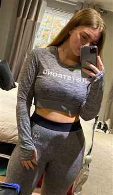 Jordan Mapp verified customer review of Grey Melange Long Sleeve Crop Top