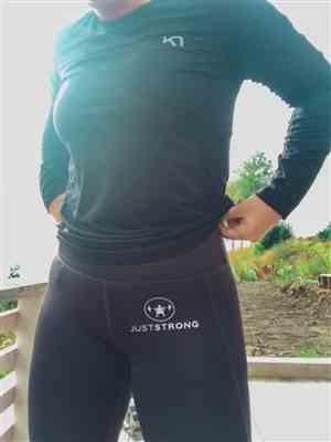 Emilie W. verified customer review of Purple Seamless Sculpt Leggings