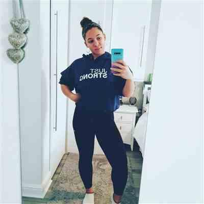 JJ Wint  verified customer review of Navy Blue Cropped Statement Hoodie