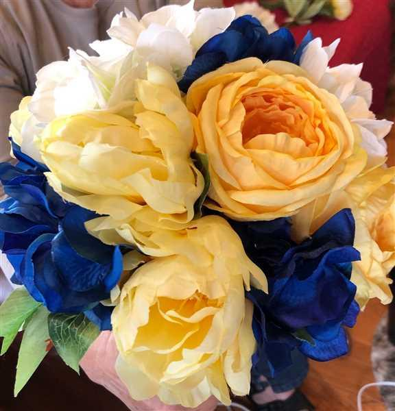 RITA MCMILLION verified customer review of Yellow Artificial Ranunculus Flower